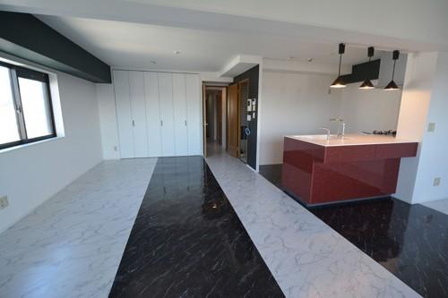 6帖の和室+キッチン+リビングをLDKとしてワンフロアにしています。