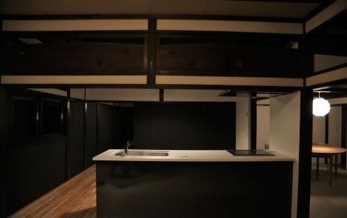 キッチン(夜)