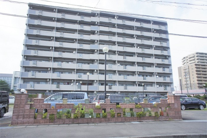 エンブルガーデン藤枝(3階部分) 1690万円 藤枝駅まだ得徒歩6分です